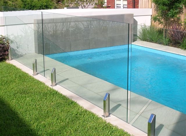 Thinking About Renovating Your Pool? It's Time You Got A Fence Fitted