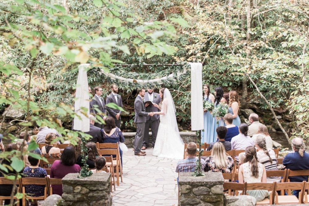 Gatlinburg Wedding Packages.Gatlinburg Happily Ever After Cabin Wedding Packages